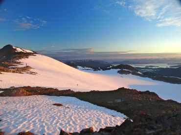 Sunset ski on the Ptarmigan Glacier