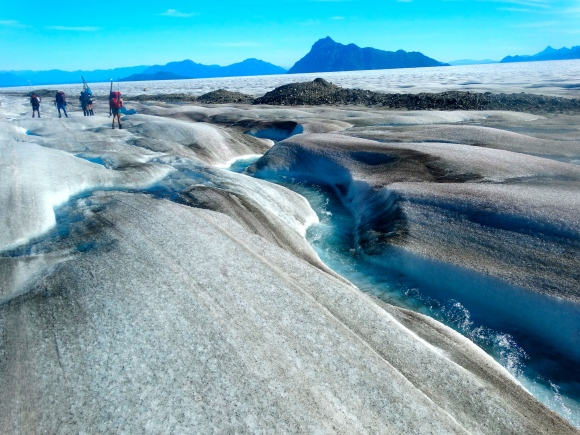 JIRPers and beautiful meltwater channels